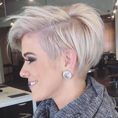 What kind of earrings look good with short hair
